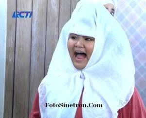 Linda Jilbab In Love