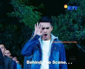 Behind the Scene Ricky Harun Menguap