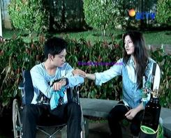 Cassie Elovii dan Randy Martin Rain The Series Episode 25-8
