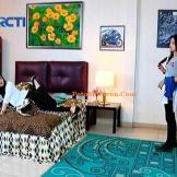 Reva dan Adriana Anak Jalanan Episode 111